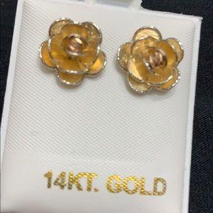 14k YELLOW GOLD FLOWER EARRINGS